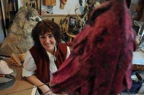 About ArtNews: An Artist That Likes Birds