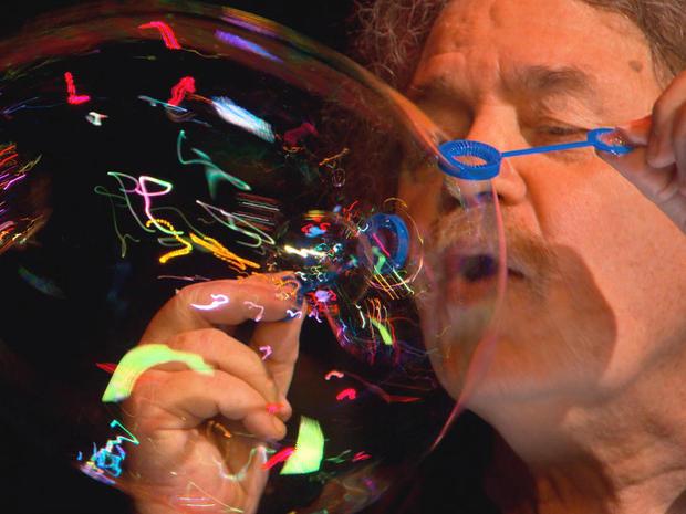 Bubble Artist, Tom Noddy—beauty & science of bubbles