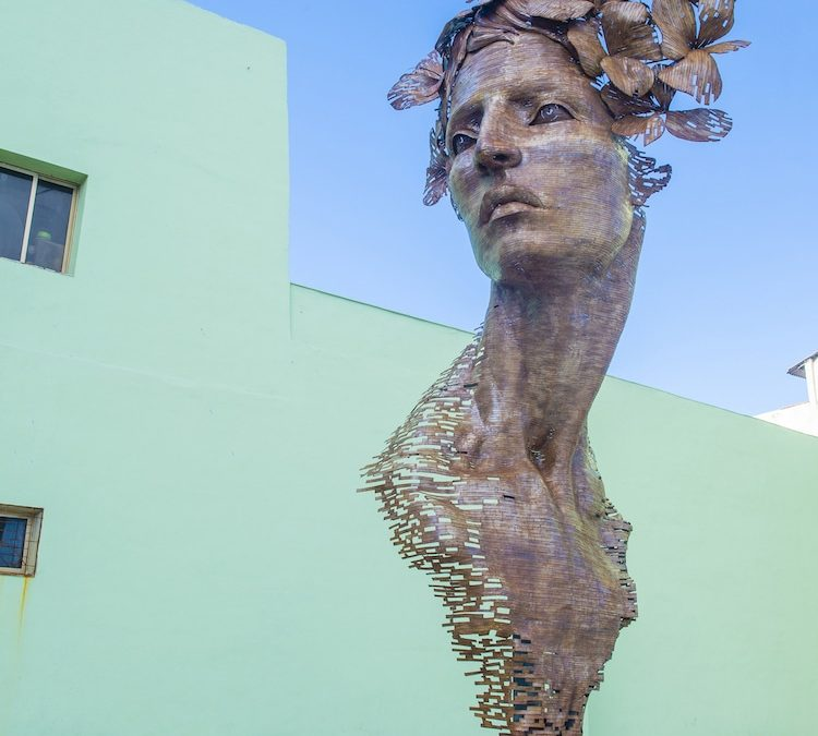Monumental Sculpture Celebrates the Strength of Cuban Women